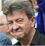 melenchon triangle rouge.jpg